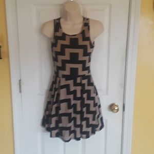 Goemetric Knit Sleeveless Dress Black & Tan